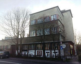 Dębniki (Kraków) - Image: Ośrodek Kultury Tęcza, Osiedle Robotnicze, Kraków, ul. Praska 52