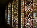 Oberhofen Schloss Oberhofen Innen Raum mit Glasmalereien 03.JPG