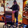 Organ grinder, Wieden, Vienna, Austria, 2013-11-28.jpg