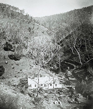 Jenolan Caves House - Image: Original Accommodation and Kitchen built by Jeremiah Wilson at Jenolan Caves approx 1880