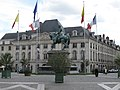 Orléans place du Martroi 1.jpg