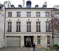 P1210327 Paris IV hotel Chalon-Luxembourg cour facade avant-corps rwk.jpg