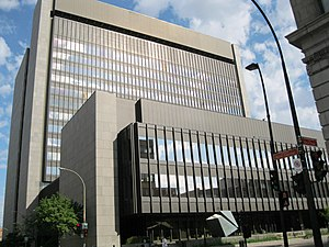 Palais de justice (Montreal) - View from Notre-Dame Street