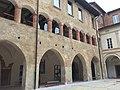 Palazzo del Broletto, l'antico palazzo comunale di Pavia 04.jpg