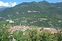 Panorama abitato e castello - Breno (Foto Luca Giarelli).jpg
