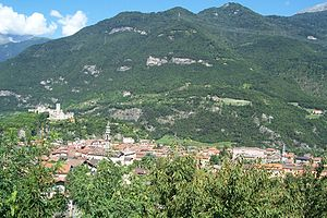 Breno - Image: Panorama abitato e castello Breno (Foto Luca Giarelli)