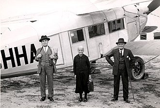 History of Iberia (airline) - Passengers in front of an Iberia Breguet 27 Limousine in 1931.