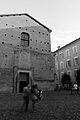 Passaggio davanti alla Chiesa di Santa Maria di Pomposa Modena.jpg