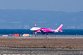 Peach Aviation ,MM102 ,Airbus A320-214 ,JA807P ,Arrived from Sapporo ,Kansai Airport (16661112511).jpg