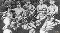 Perón con sus camaradas militares.jpg
