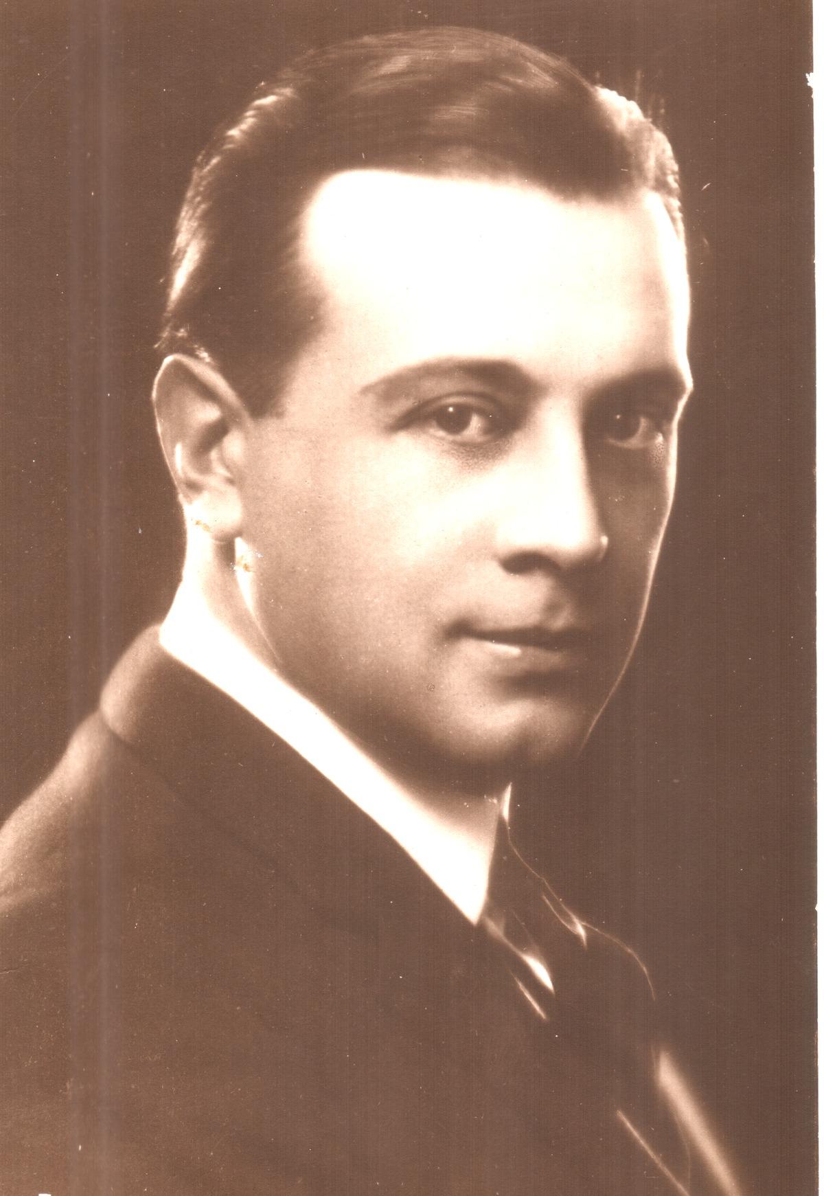 Iván Petrovich - Wikipedia