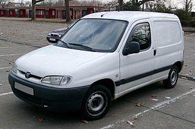 Peugeot Partner front 20080104.jpg