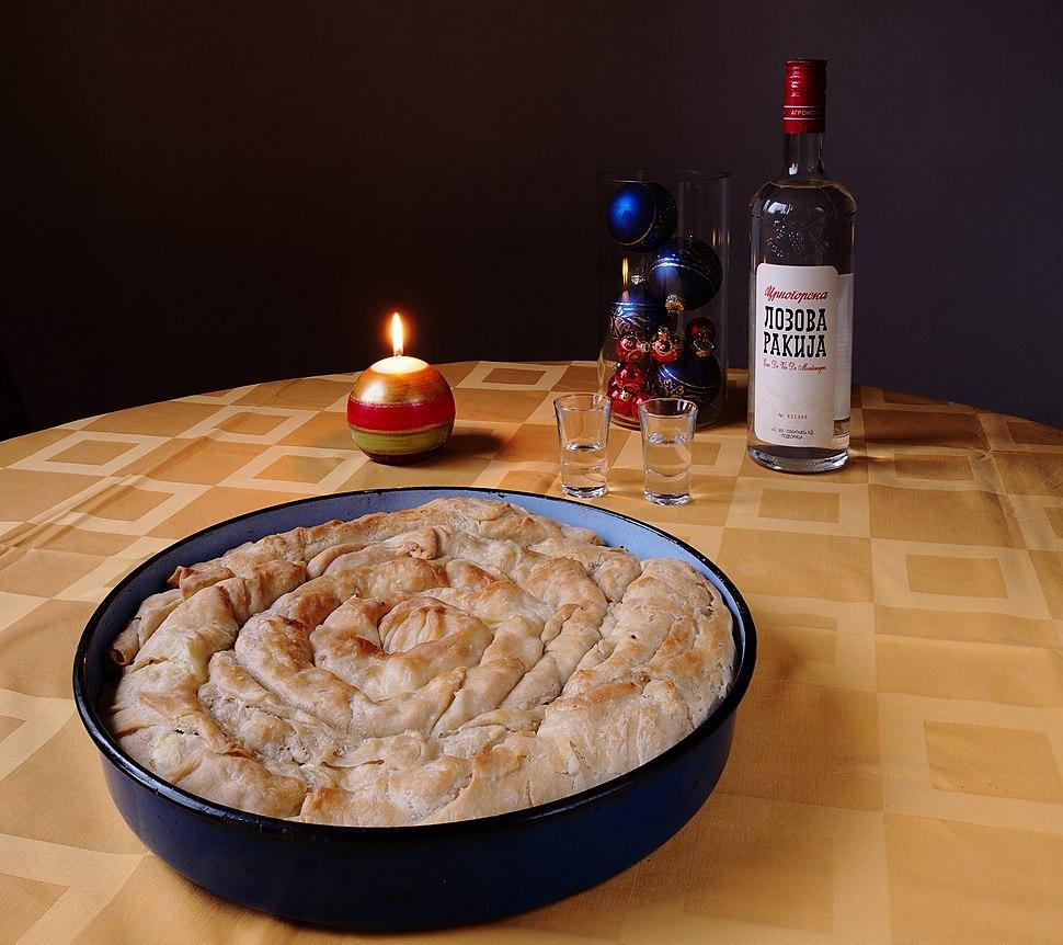 Pita savijača (Rolled pie, Serbian cuisine)