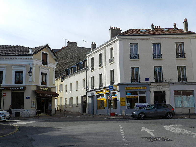 File:Place Carnot Rue Jean Lavaud Fontenay-aux-Roses.JPG