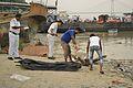 Police Inspecting Decomposed Male Dead Body - Baja Kadamtala Ghat - Kolkata 2015-10-22 6606.JPG
