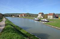 Pont-Royal sur le canal de Bourgogne DSC 0411.JPG