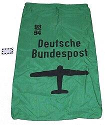 Postbeutel-Luftpost-gruen.jpg
