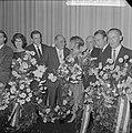Premiere van de verzetsfilm De Overval in Tuschinski, huldiging van vlnr. Hans, Bestanddeelnr 914-6323.jpg