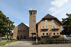 Pressig-Kath-Kirche-und-Rathaus.jpg
