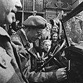 Prins Bernhard achter het stuur van zijn jeep, Bestanddeelnr 900-2503.jpg