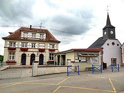 Puberg Mairie et église.jpg