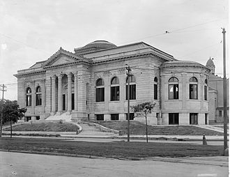 New Orleans Public Library - The Lee Circle Main Library around the time of its opening in 1908