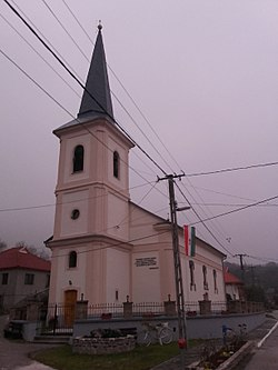 Pusztafalu reformed church.jpg