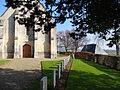 Putot-en-Auge, tombes de soldats anglais près de l'église.JPG