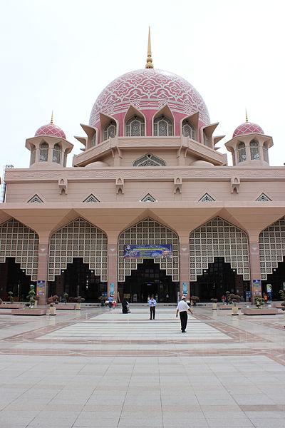 File:Putra Mosque 2013.JPG