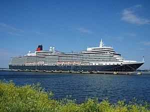 MS Queen Elizabeth - Image: Queen Elizabeth in Tallinn 7 July 2011