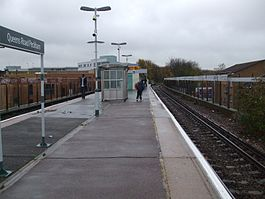Queens Road Peckham stn look south2.JPG