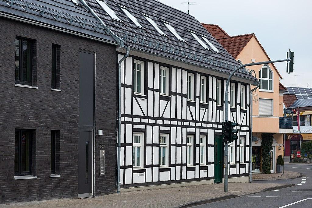Deutsch r srath forsbach forsbacher hof nach der for Renovation wiki