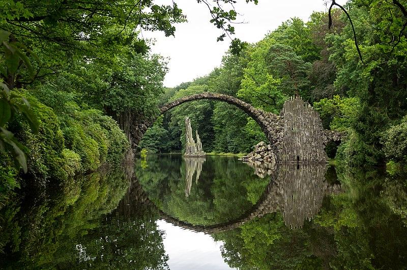 File:Rakotzbrücke.jpg