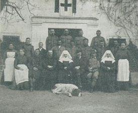 Ranjenci na graščini Dvor v Radečah.jpg