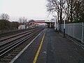 Raynes Park stn platform 3 westbound look east2.JPG