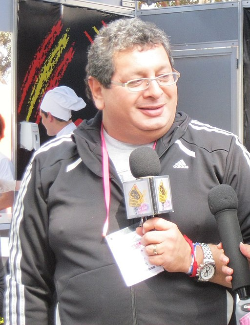 Ricky Tosso en entrevista (cropped)