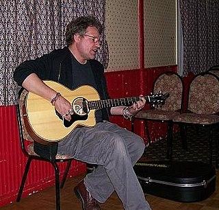 Robb Johnson British singer