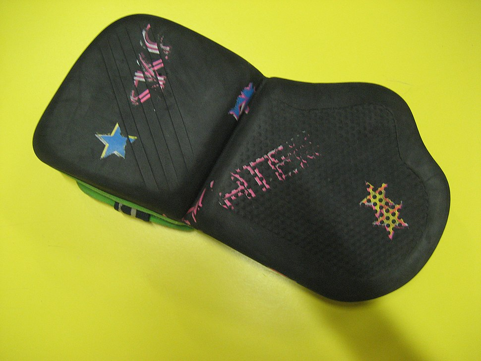 Roller-hockey-(Quad)-Batting-Glove-front
