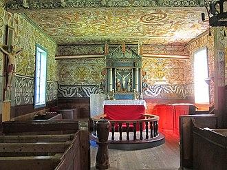 Old Stordal Church - Image: Rosekyrkja altar
