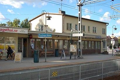 Vägbeskrivningar till Roslags Näsby Station med kollektivtrafik