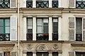 Rue des Vinaigriers (Paris), numéro 55, fenêtres 03.jpg