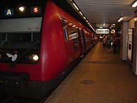 S-Train on Nørreport platform.jpg