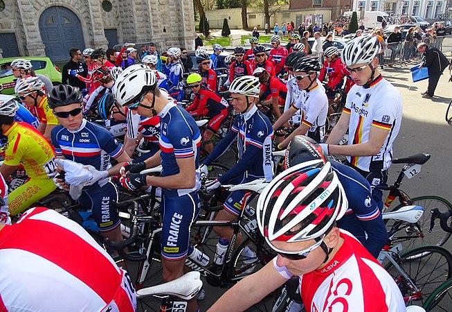 Saint-Amand-les-Eaux - Paris-Roubaix juniors, 12 avril 2015, départ (A72).JPG