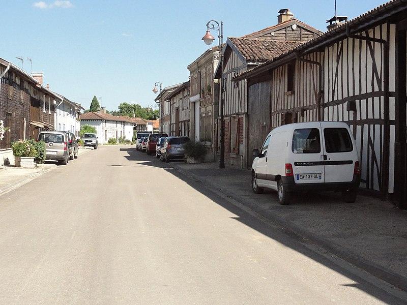 Sainte-Livière (Haute-Marne) rue de Sainte-Libaire, maisons à pans de bois