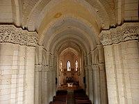 Saintes (17) Basilique Saint-Eutrope Intérieur 02.JPG