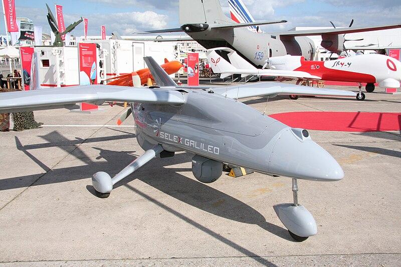 اهتمام ببيع الطائرات بدون طيار الإيطالية  the falco للجزائر 800px-Salon_du_Bourget_20090619_227
