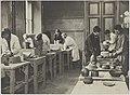 Savityöosaston muovailun opetustilanne, 1920-luku. Taideteollisuuskeskuskoulun opetustilanteita.-TaiKV-07-029.jpg