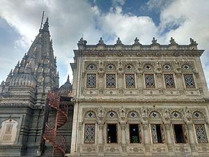 Mahadaji Shinde - Shinde Chhatri, Wanawdi, Pune: A memorial dedicated to Mahadji Shinde