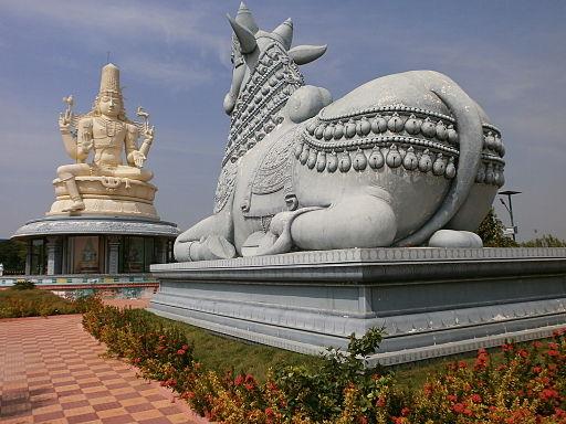 Large Shiva/Nandi Statue @ Kanchipuram (Chennai-Bangalore highway)