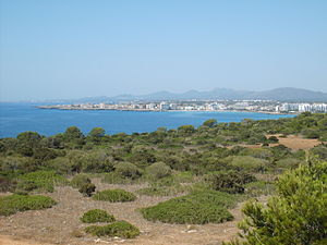 S'illot (Mallorca) - View of the bay of S'illot and Sa Coma